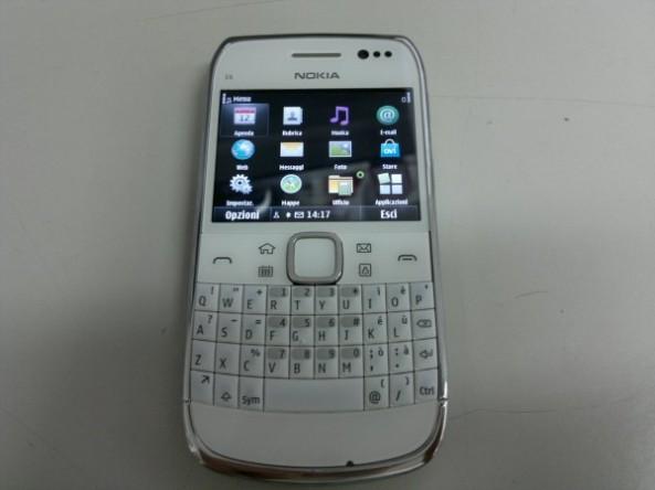 Nokia E6-00 004.jpg